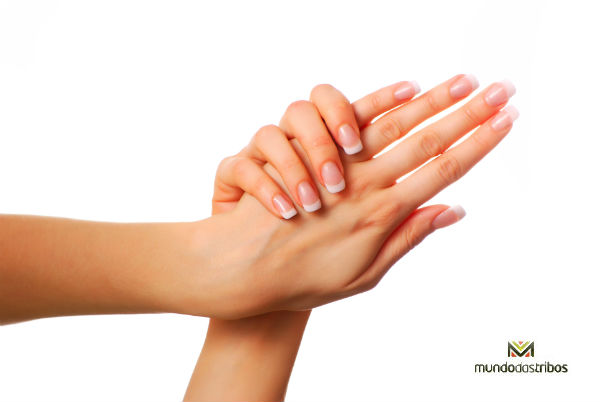 Mãos descascando: O que pode ser? Tratamento, Causas, Sintomas