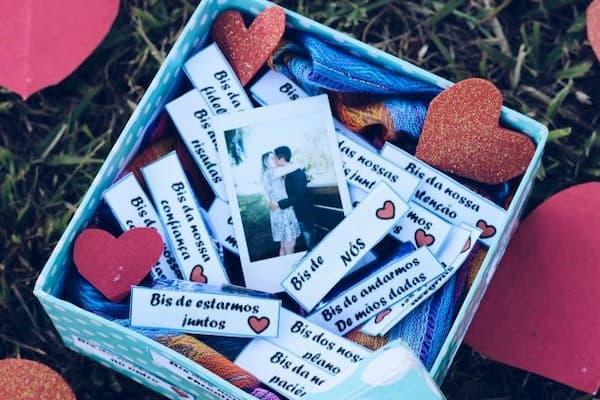 Presentes para namorado caixinha com fotos e frases