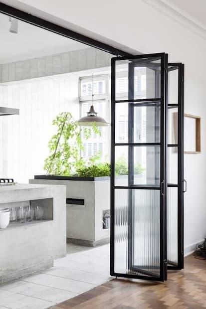 Porta Camarão preta de Vidro para Cozinha