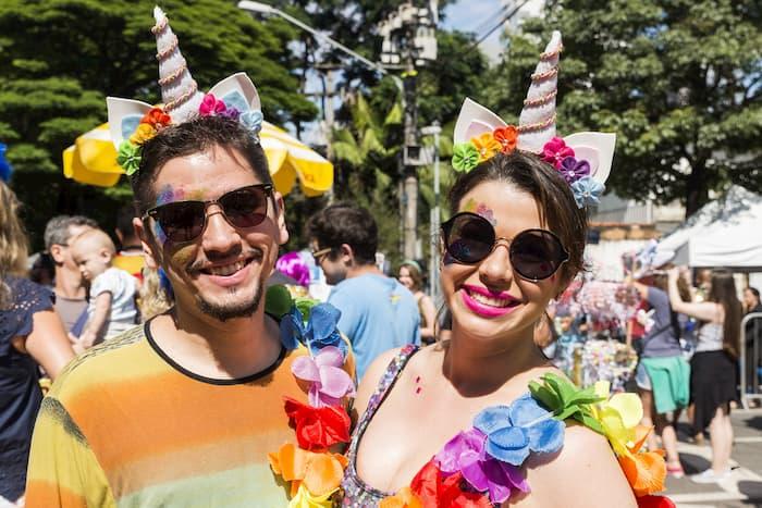 Fantasia de Carnaval para Casal unicornio