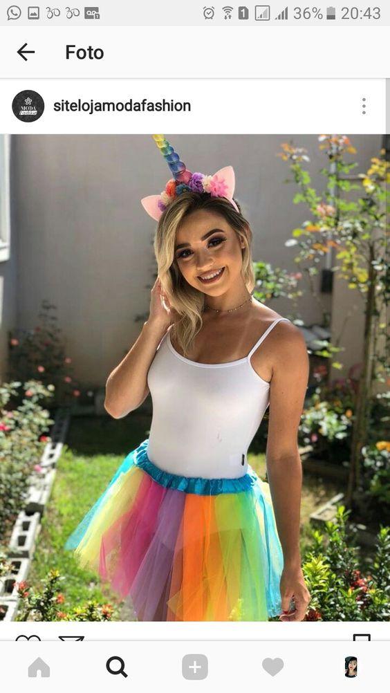 fantasia de carnaval com saia colorida