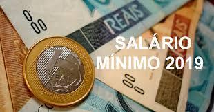 Dinheiro em cédulas e moedas