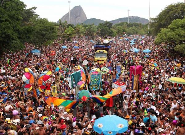 Blocos de carnaval mais famosos muitas pessoas no rio de janeiro