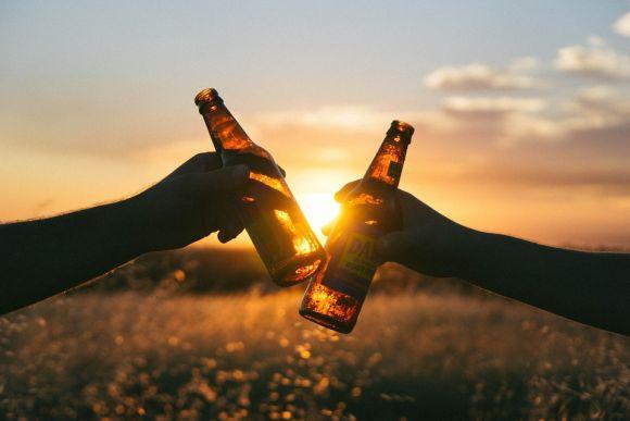 Conheça 4 mitos sobre o consumo de bebidas alcoólicas