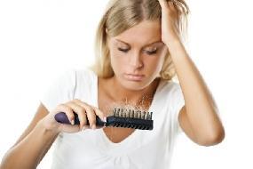 Principais causas de queda de cabelo: quais são