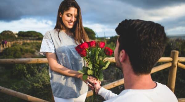 Simpatias para recuperar o ex-namorado namorada recebendo flores