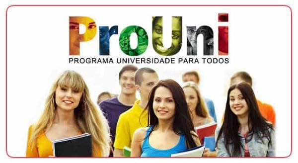 Cada universidade destina uma quantidade de vagas para serem preenchidas por programas como o ProUni (Foto: Divulgação)