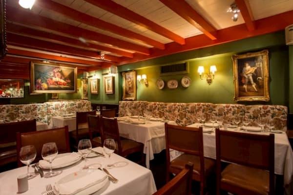 Principais Restaurantes Antiquarius