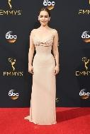 Looks das famosas no Emmy 2016