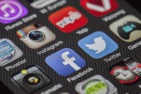 Facebook  bloqueado por 24 horas pela Justiça Eleitoral