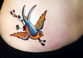 20 tatuagens com desenhos de pássaros