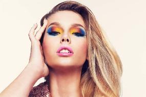 Aprenda a usar cores vibrantes nos olhos