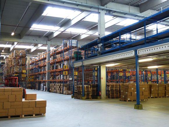 O profissional pode atuar, por exemplo, na organização de estoques de grandes companhias (Foto Ilustrativa)