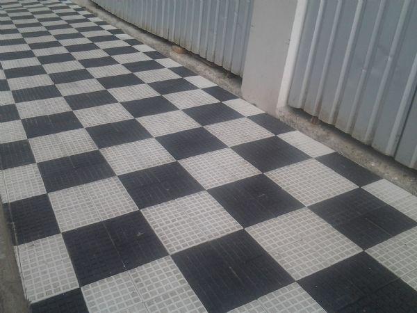 Caminhar usando somente uma cor das calçadas (Foto: Divulgação)