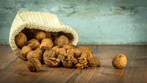 Nozes, castanhas e amêndoas também ajudam na produção da substância (Foto Ilustrativa)