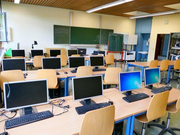 A unidade tem dois cursos na área de informática (Foto Ilustrativa)