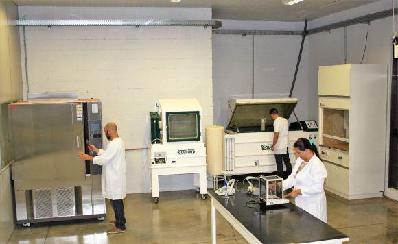Os laboratórios da unidade são bem equipados e modernos (Foto: Reprodução Fatec)