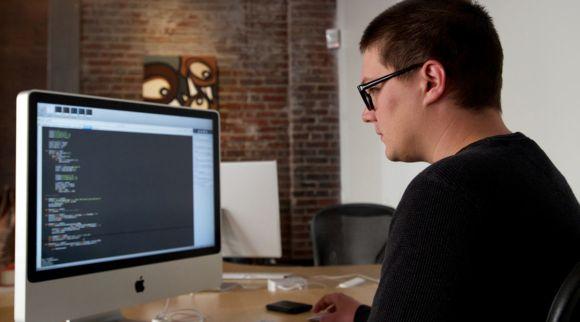 Boa parte das oportunidades é para quem trabalha com tecnologia (Foto Ilustrativa)