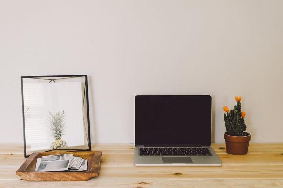 Com os cursos Senac online, qualquer lugar da sua casa se transforma em sala de aula (Foto Ilustrativa)