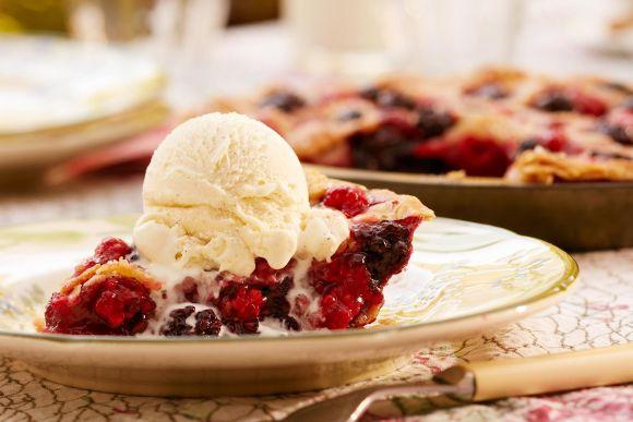 Torta de Frutas Vermelhas com sorvete (Foto Ilustrativa)