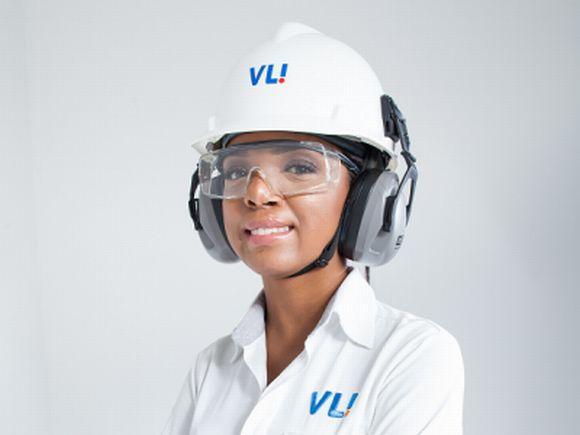 Os aprendizes VLI têm acesso a cursos gratuitos e recebem bolsa-auxílio e outros benefícios (Foto: Reprodução VLI)