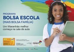 Bolsa escola criança com livro