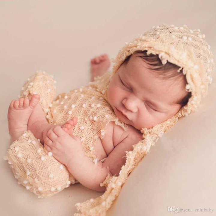 foto de rescem nascido com roupinha linda