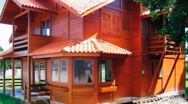 Casas de madeira pré-fabricada com janela sextavada