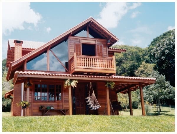 Casas de madeira pré-fabricada com segundo piso