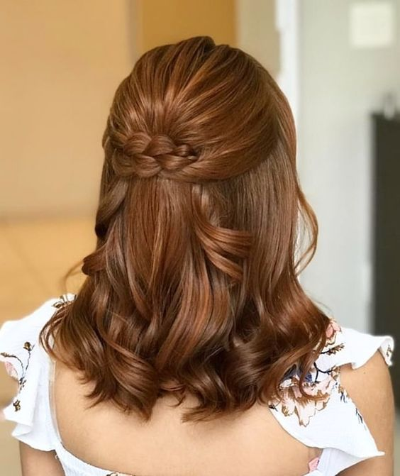 penteado para festa de formatura para cabelo curto com trança