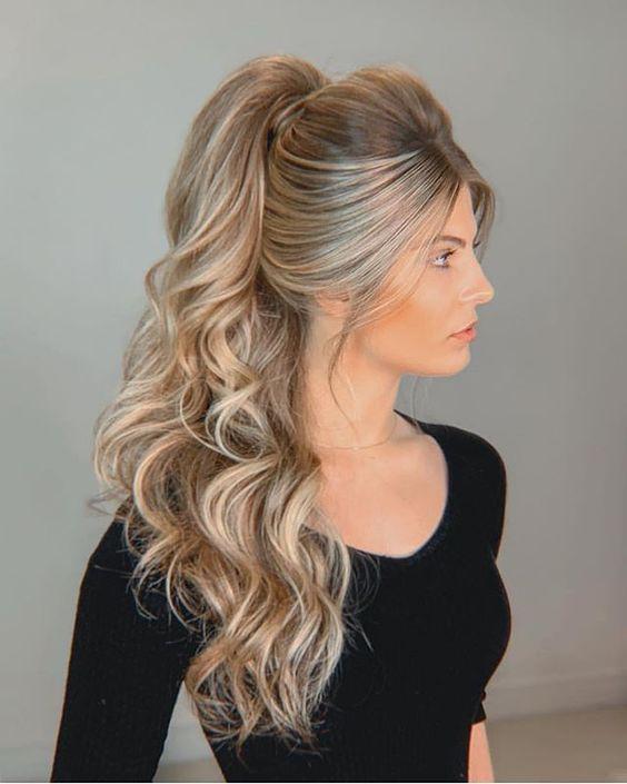 penteado para festa de formatura para cabelo longo