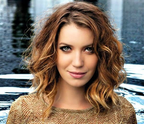 corte de cabelo feminino medio cacheado