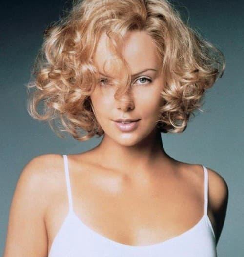 cortes de cabelo feminino cacheado loira