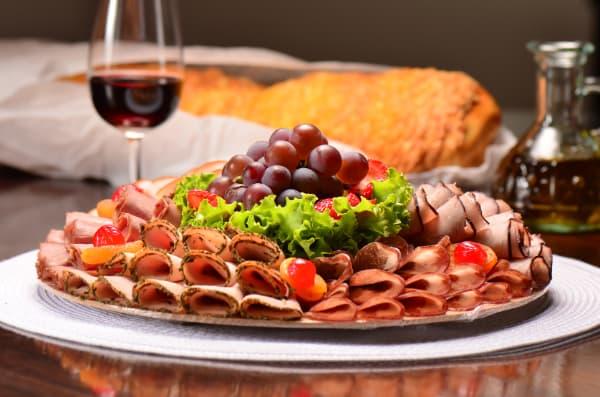 ceia de ano novo pratos decorados para a mesa