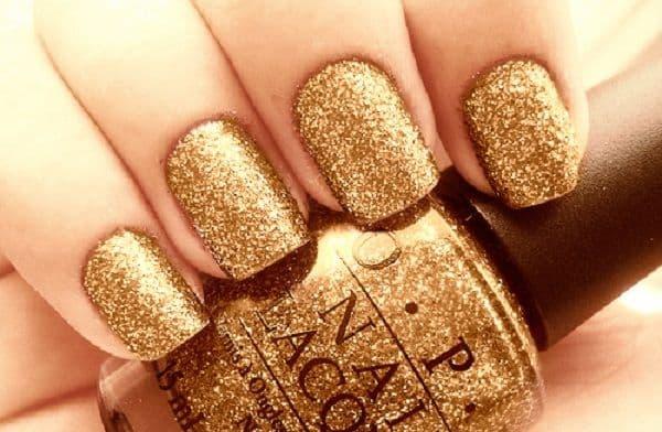 unhas decoradas para reveillon douradas