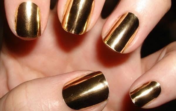 unhas decoradas para o réveillon douradas cromadas