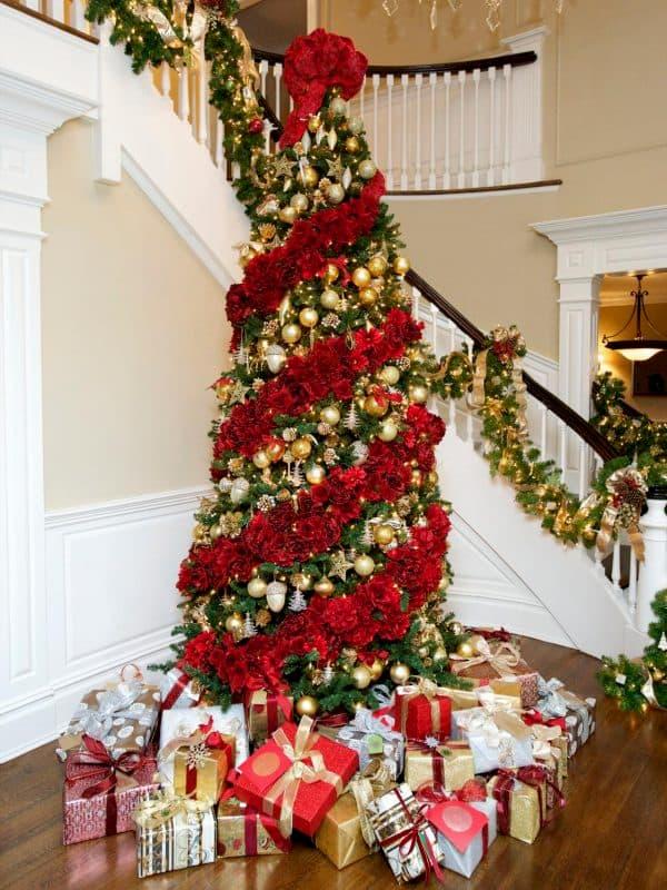 Decoração de Natal arvore e escada