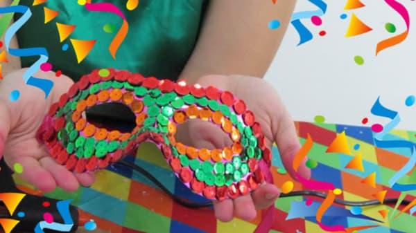 Modelos de máscara de Carnaval com lantejoulas