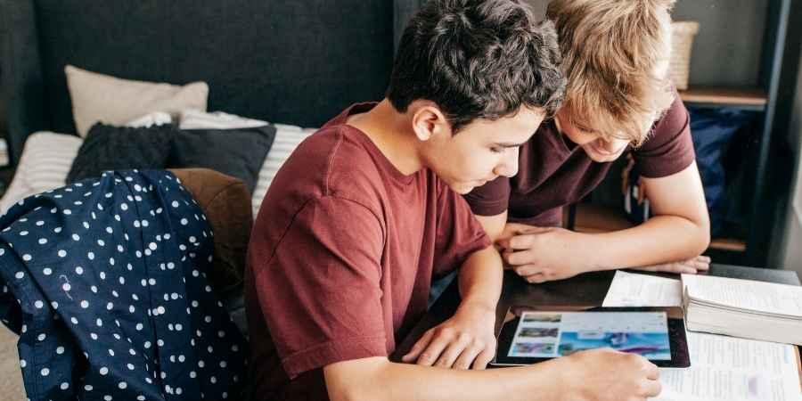 INSS pagará um salário para crianças e adolescentes
