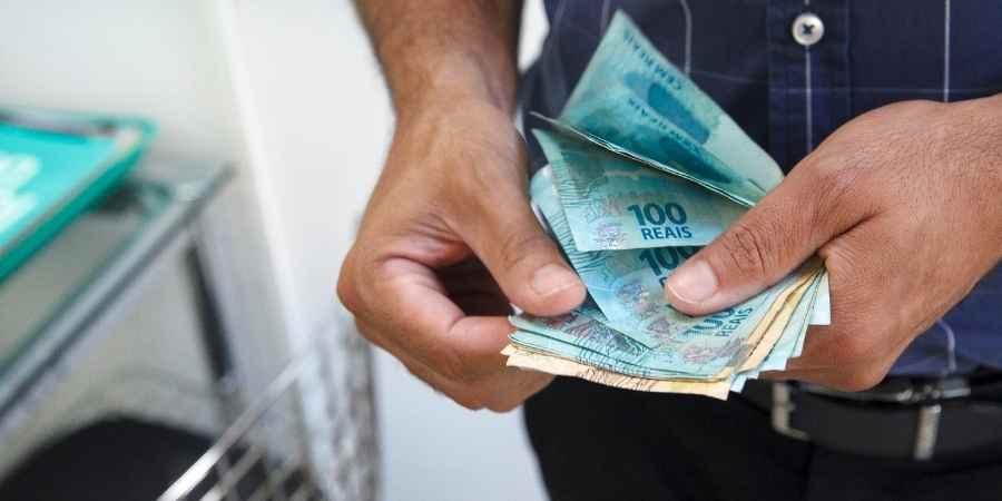 Novo salário mínimo conheça o valor para 2022