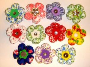 215637 Flor 3 300x223 Flores de Fuxico Passo a Passo