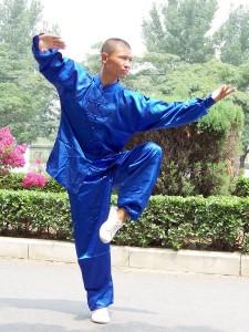 235812 Kung 2 225x300 Roupas para Praticar Kung Fu