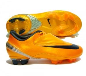 237921 Chuteira Nike Modelos 300x265 Chuteira Nike Modelos, Preço onde Comprar