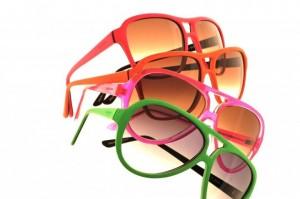 240735 oculos3 300x199 Óculos Coloridos para Festas