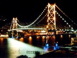 242556 ponte hercilio luz 300x225 Roteiro de Viagem Florianópolis, Santa Catarina