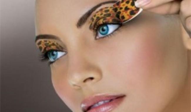 242600 Maquiagem Adesiva Como Usar 1 Maquiagem em Adesivo – Como Usar