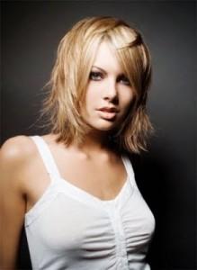 249303 Tipos de cortes de cabelos femininos para o verão 2012 5 219x300 Tipos de Cortes de Cabelos Femininos para o Verão 2012