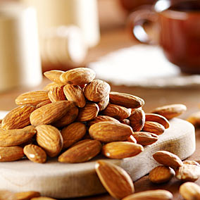 263263 amendoas oleo Conheça as frutas que ajudam a queimar as gordurinhas