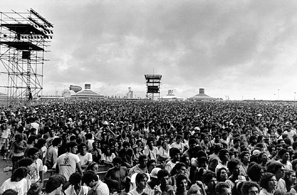 270890 festivais show Usando Roupas para Festivais de Música
