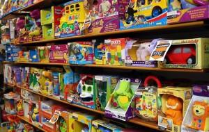 Brinquedos são comercializados pela internet com preços especiais